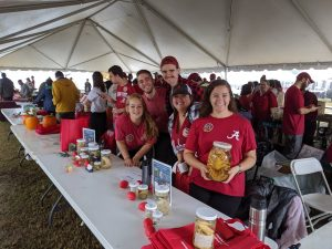 Kocot and Fierst lab volunteers at homecoming tent